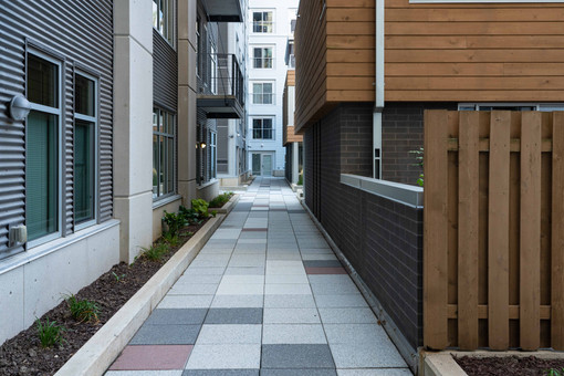 Walkway betreen High-Rise and Townhouses
