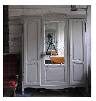 Croisière french antique Wardrobe london