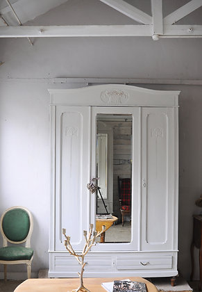 Bonniere sur Seine  french antique Wardrobe london