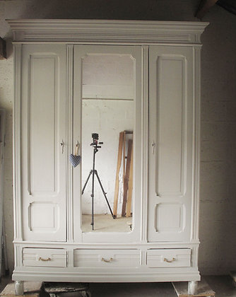 hermes wardrobe