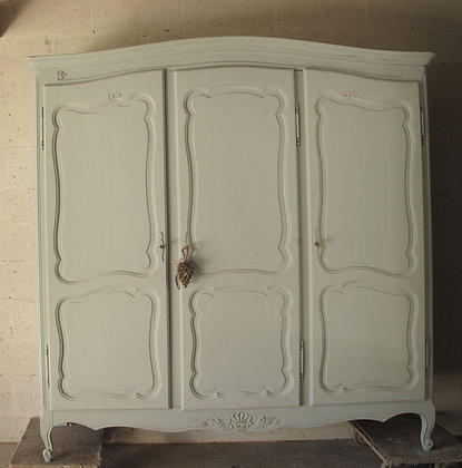 Figatelle french antique wardrobe