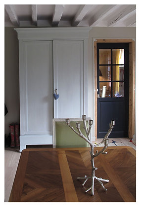 Neige  french antique wardrobe