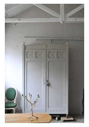 Sablé french antique wardrobe Wardrobe london