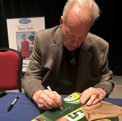 Paul Hornung signing painting