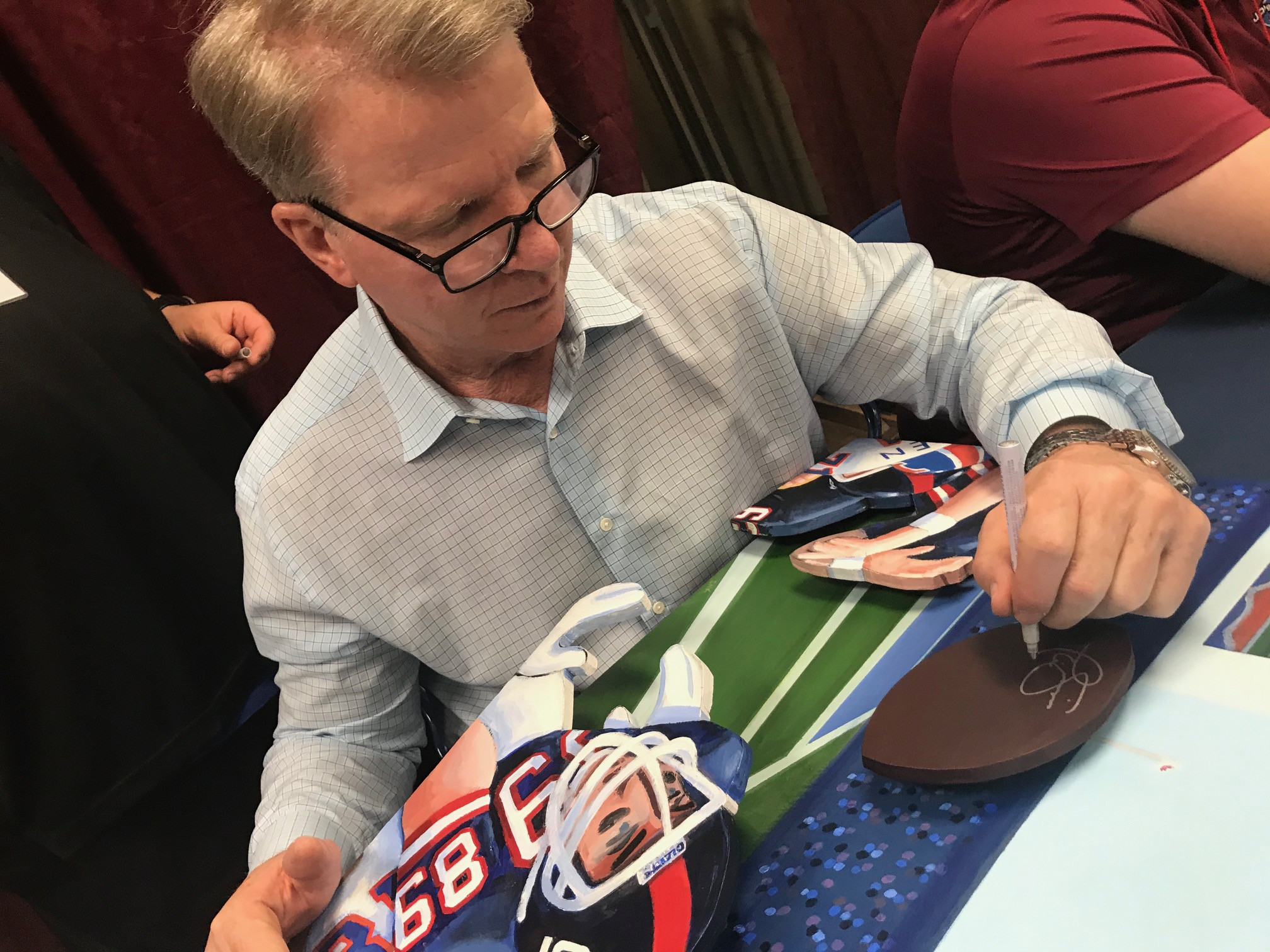 Phil Simms signing