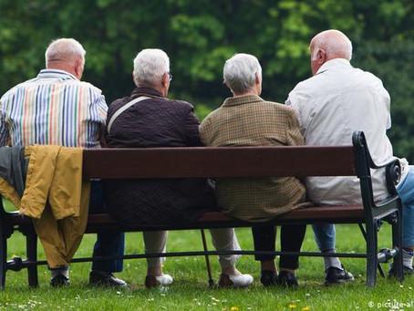 Парламентарий назвал реальный размер пенсий для жизни