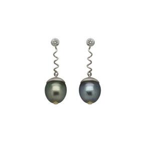 """Boucles d'oreilles""""Goralska"""" en or blanc 18k sertie de diamants avec deux perles de Tahiti(Demande Sur-Mesure)"""