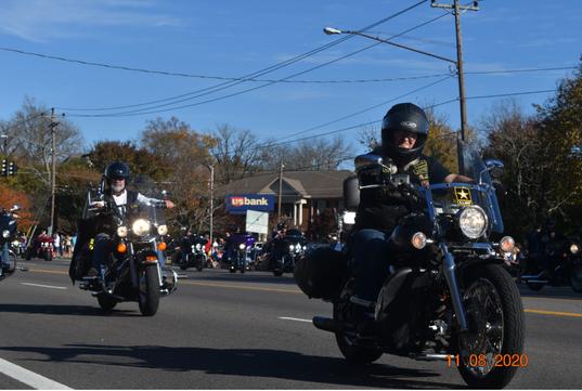 2020 Hendersonville Veterans Day Parade led by CVMA TN 18-1
