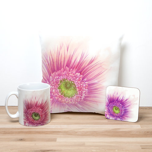 Pink Daisy Pillow Set