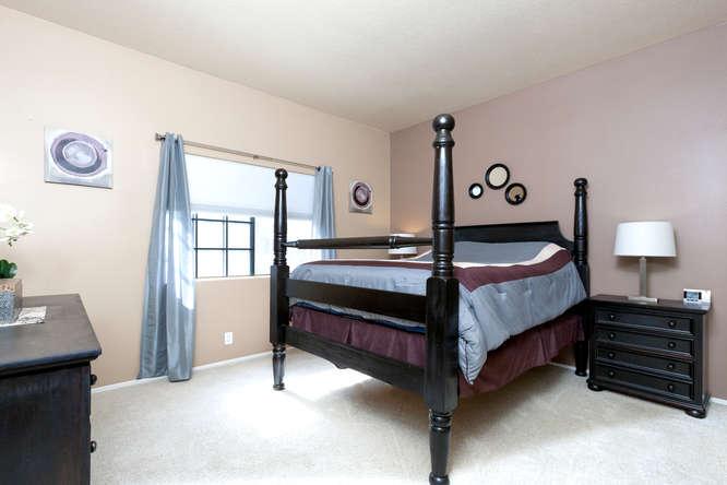 8211 Mainsail Drive 103-small-012-17-Master Bedroom-666x444-72dpi.jpg
