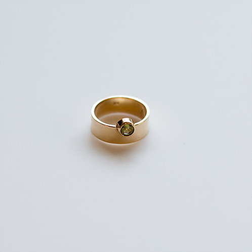 Peridot and 18k Gold Ring size 6