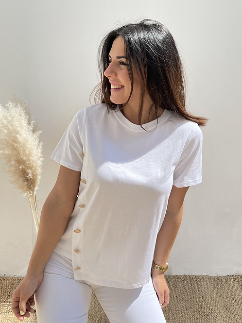 Camiseta blanca botones