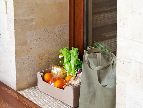 food-delivery-donation-box-during-covid-