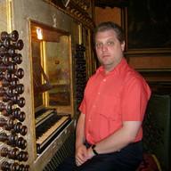 At the historic organ of João Fontanes de Maqueixa (1765) in São Vicente de Fora, Lisbon, May 2008