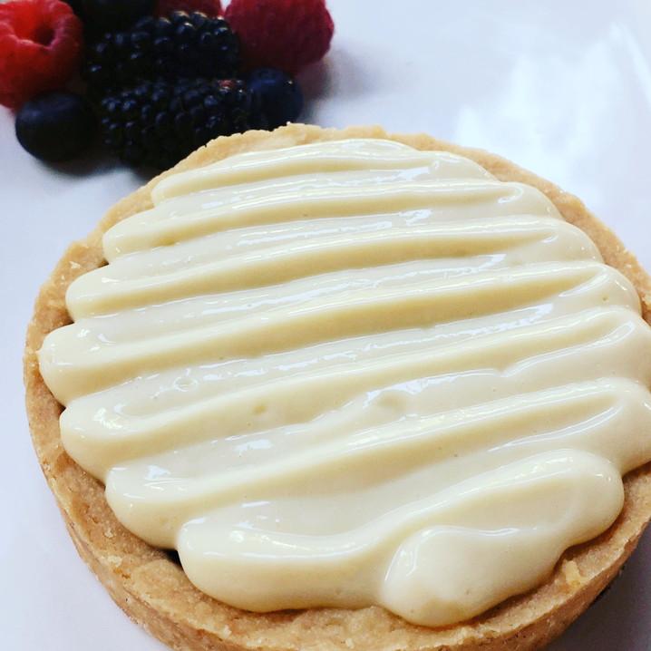 Mixed Berry Tart w. Vanilla Custard