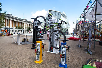 many_bike_repair_stations.jpg