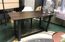 DWD1332 writing table 02 edited w.jpg