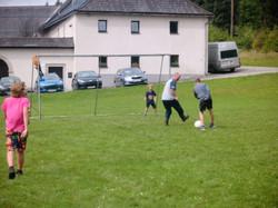 Fußball mit Betreuer