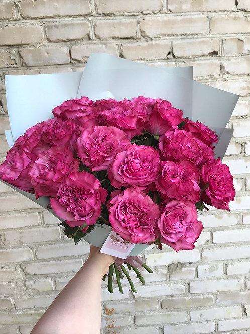 Букет из 19 пионовидных роз
