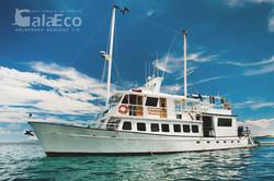 Galaeco-Galapagos-Golondrina-yacht