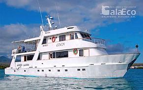 La mejor manera de disfrutar de Galapagos es navegando en el barco Eden