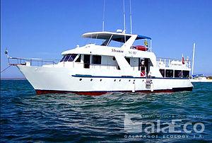 Viaja a Galapagos por 4 días en el Yate Floreana