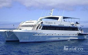 La mejor manera de conocer Galapagos es viajando en barco Catamaran Archipell