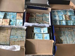 Operação investiga crimes licitatórios, desvios de recursos públicos e lavagem de dinheiro no Cabo