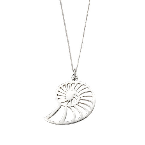 Cut Out Shell Pendant Necklace