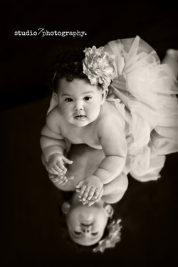 baby Mia 067bw.jpg