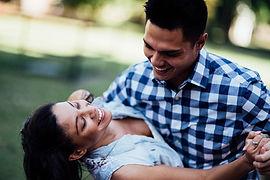 happy-couple-4021036_1280.jpg
