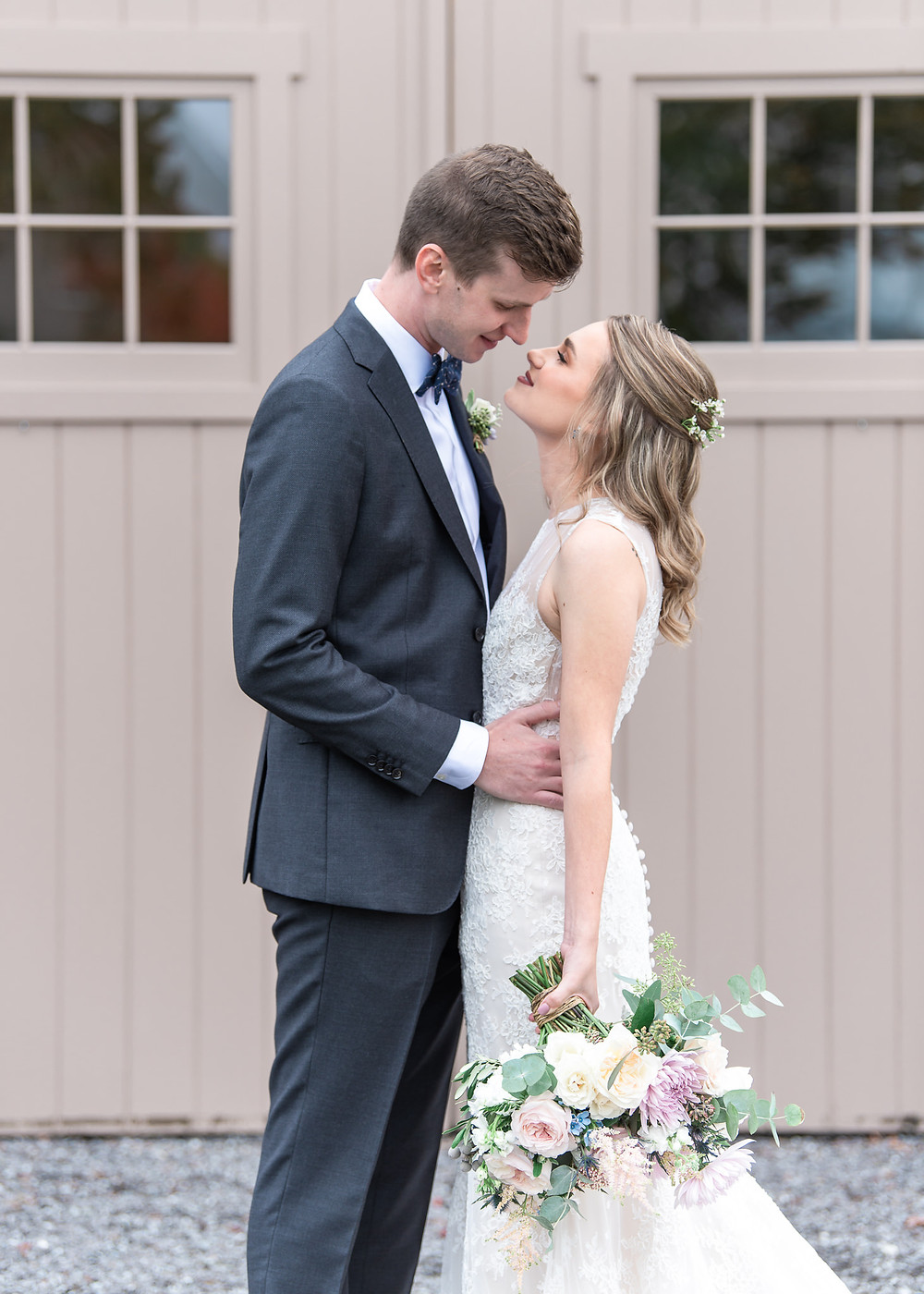 Boutique Maine wedding photographer at fall wedding