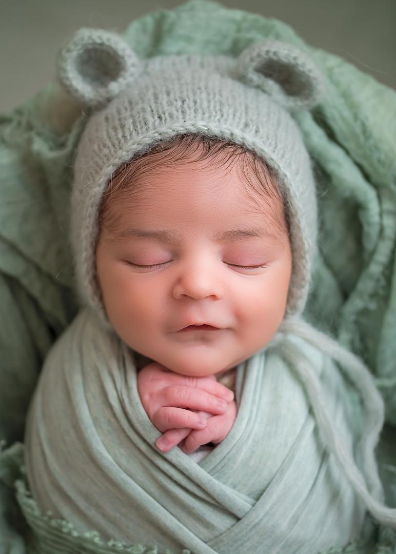 New_England_Newborn_Photographer-12.jpg