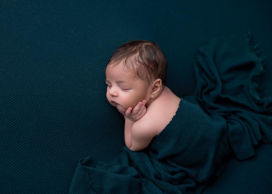 New_England_Newborn_Photographer-30.jpg