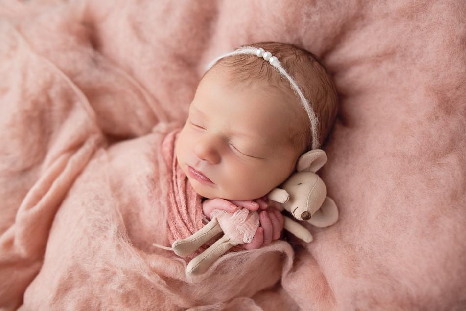 Newborn_Photographer_Falmouth_Maine-8.jp