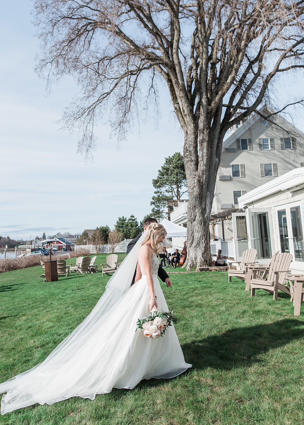 Wedding photography at the Breakwater Inn in Kennebunkport, Maine