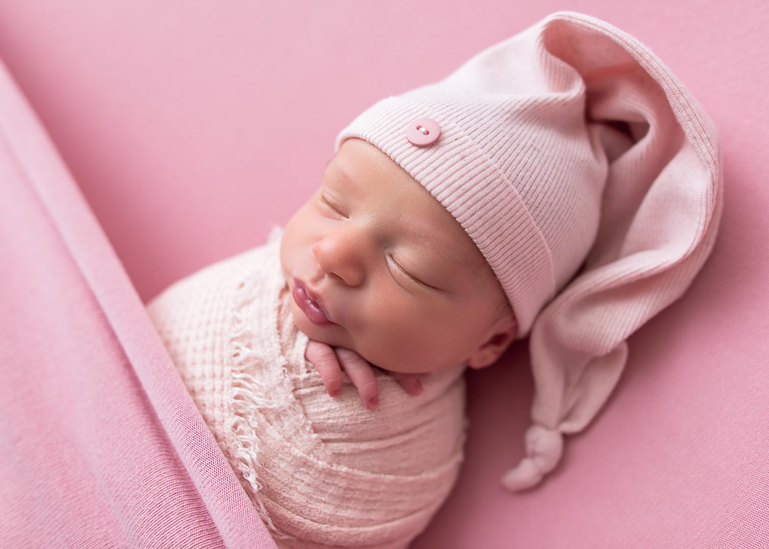 Newborn_Photographer_Falmouth_Maine-26.j