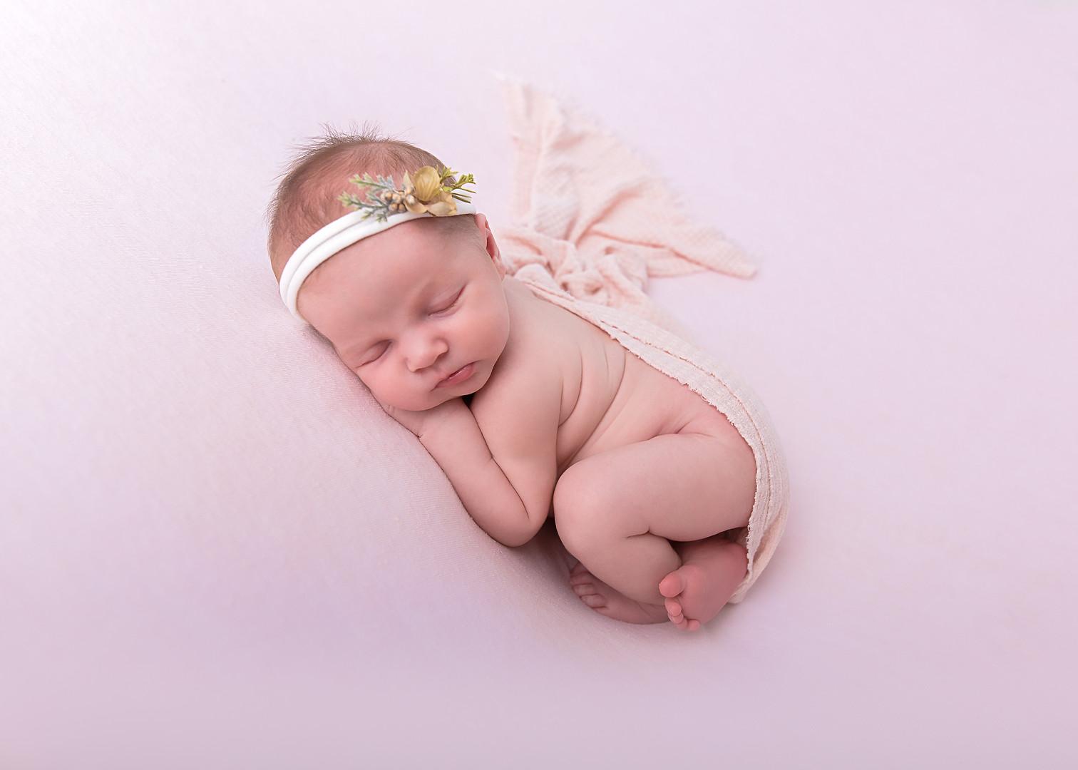 Cecily Newborn-22.jpg