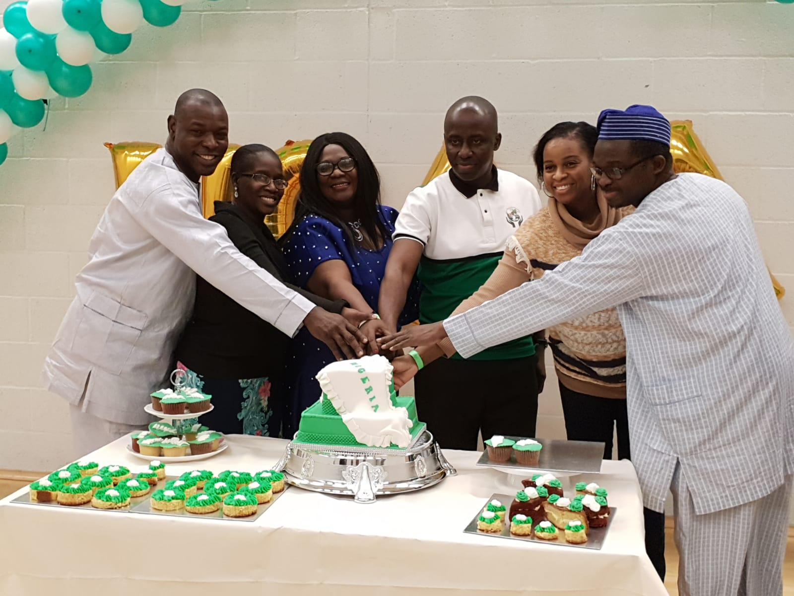 2018 Annual EOY Event Cutting Cake