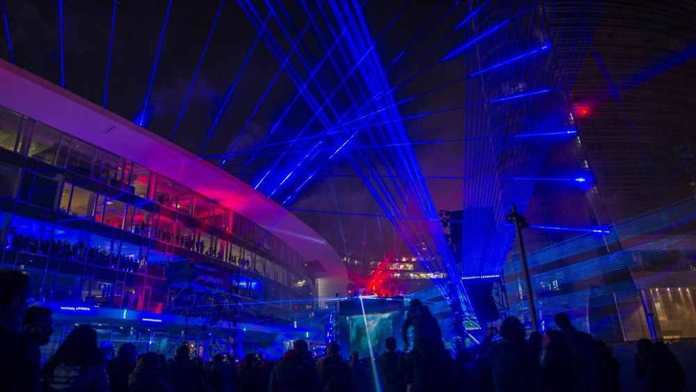 Milan comes alive with the first Urban Laser Show and the beats of Fatboy Slim and Andro with original soundtrack Waveforms - blog sound identity