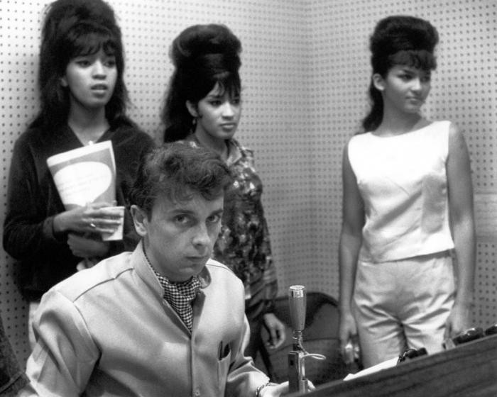 the Ronettes lawsuit vs Phil Spector for royalties - Photo of RONETTES (Veronica Bennett, Estelle Bennett and Nedra Talley) and Phil Spector - SoundIdentity blog