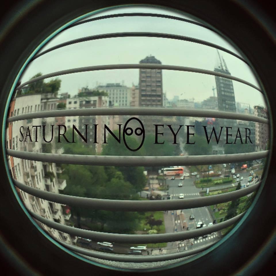 Sound Identity intervista Saturnino, il camaleonte surfista - assista, compositore, produttore, imprenditore occhialeria lussi Saturnino Eye Wear - Sound Identity music blog