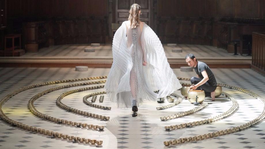 fashion: Iris van Herpen zen sound installation at Couture Fall 2016 show with the Japanese musician Kazuya Nagaya - Sound Identity blog