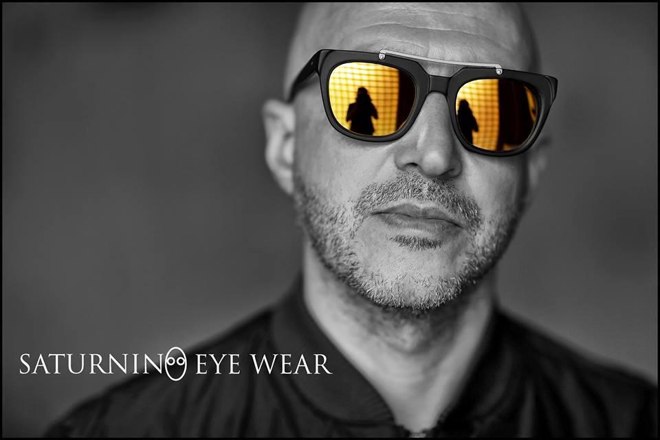 Sound Identity intervista Saturnino, il camaleonte surfista - assista, compositore, produttore, imprenditore Saturnino Eye Wear occhialeria lusso - marketing - music blog Sound Identity