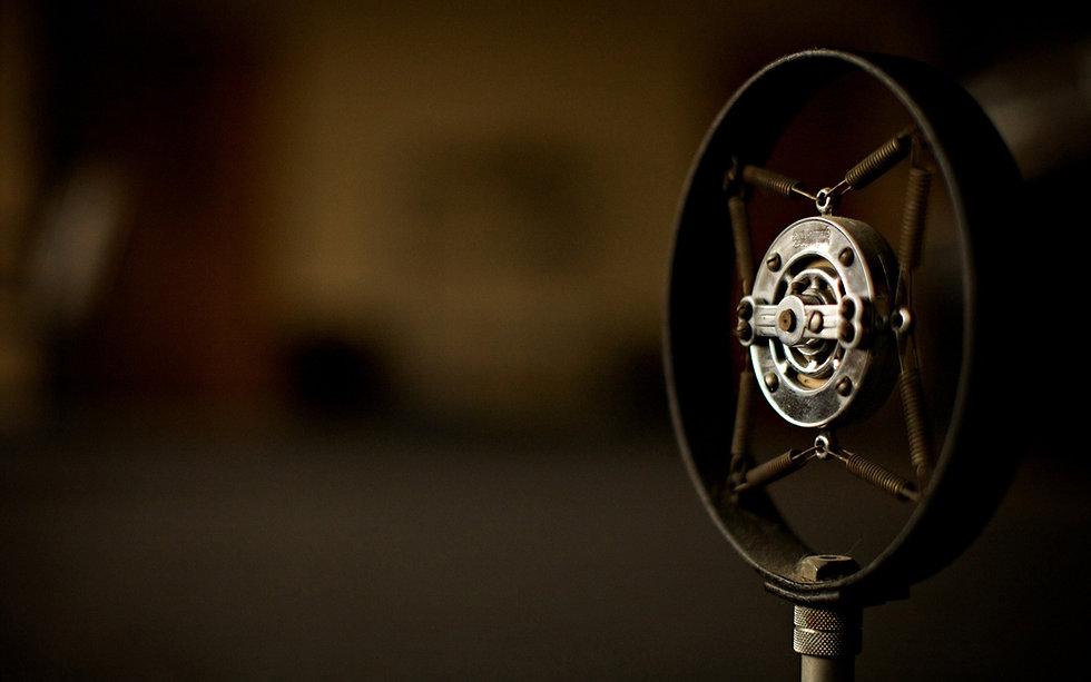 vintage-microphone-wallpaper-2.jpg