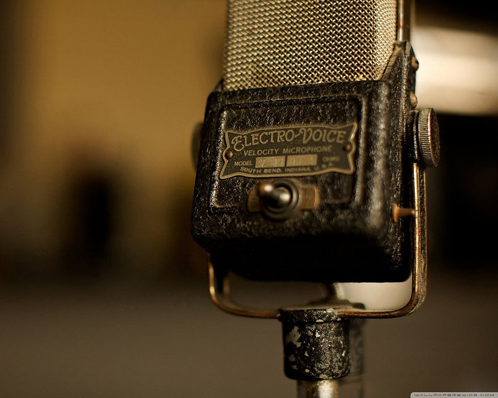 vintage-microphone-wallpaper-1.jpg