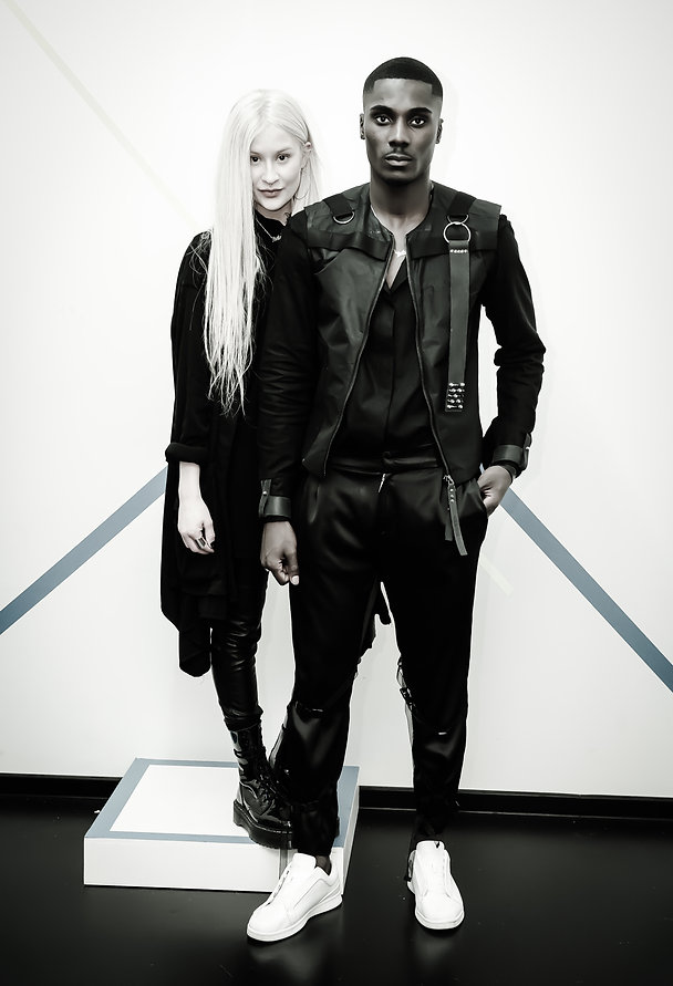 Designerin und Model