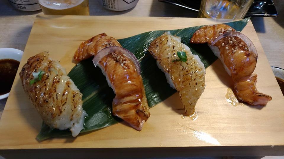 tzukiji market sushi