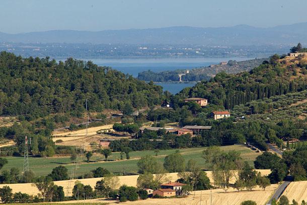 VILLA TAMARA a MAGIONE (Perugia)3