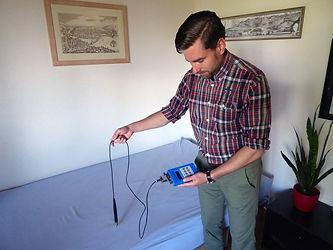 Wasseradern und Verwerfungen messen